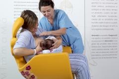 ospedale-pistoia-sedia-allattamento-mimmama-leura-posizione-incrociata-neonato